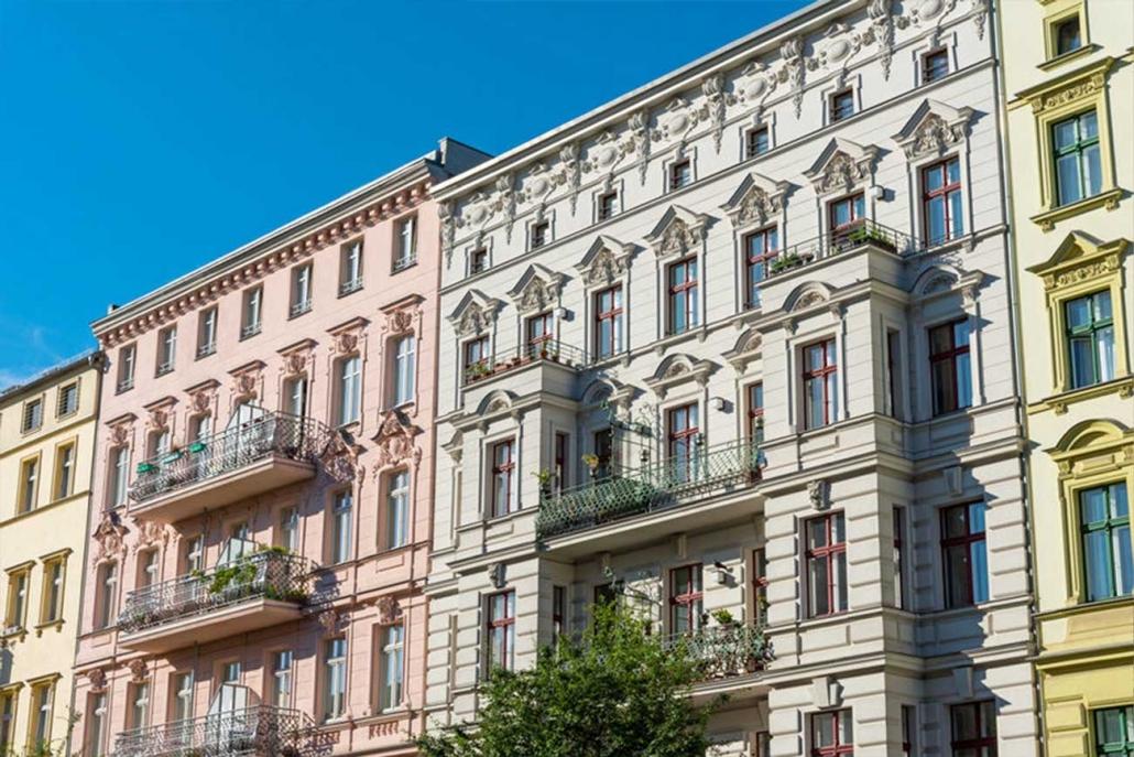 Renovierte alte Häuser im Bezirk Prenzlauer Berg in Berlin, Deutschland