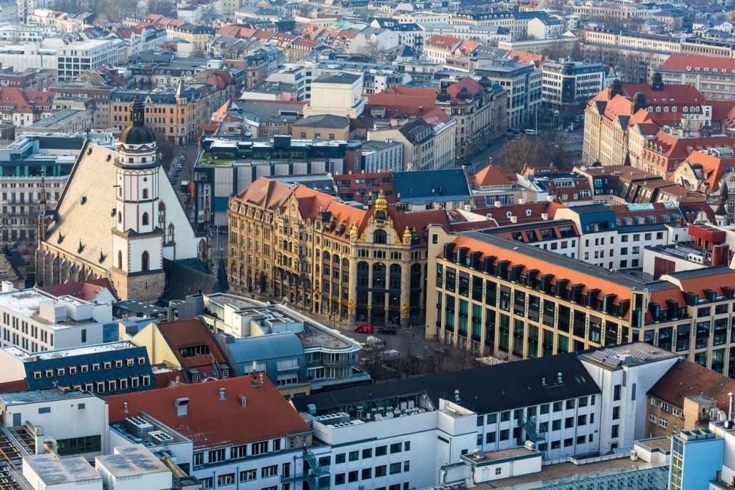 Blick auf Leipziger Thomaskirche von oben